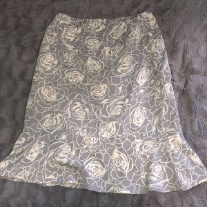 Tailor B. Moss grey & white rose skirt